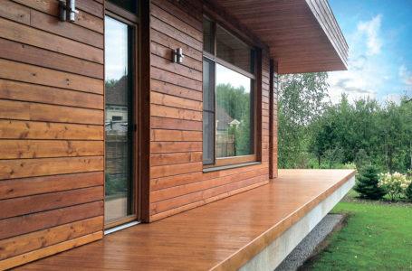 Как выполнить отделку деревянного дома снаружи быстро и недорого